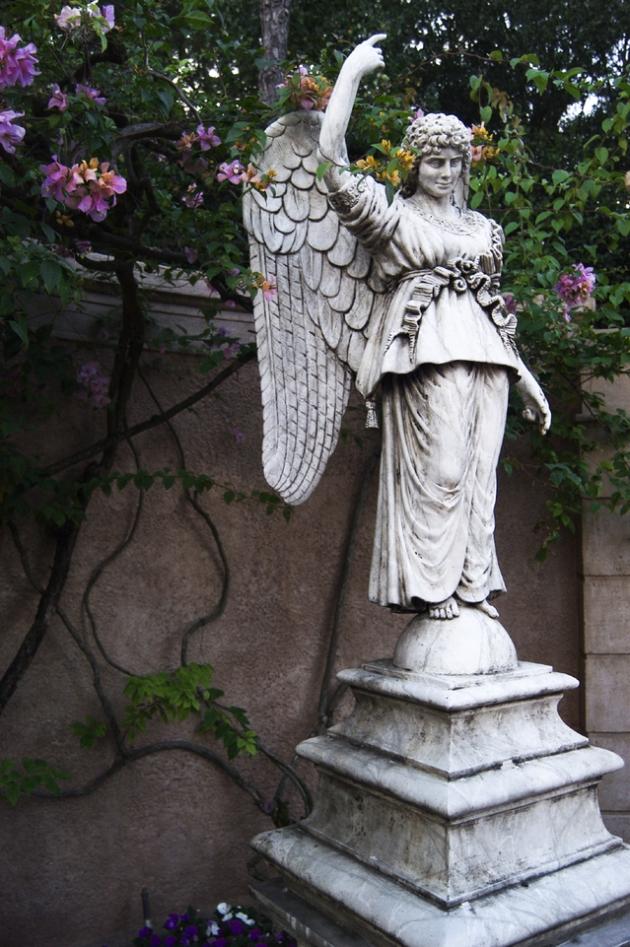 angel-1467691-639x961